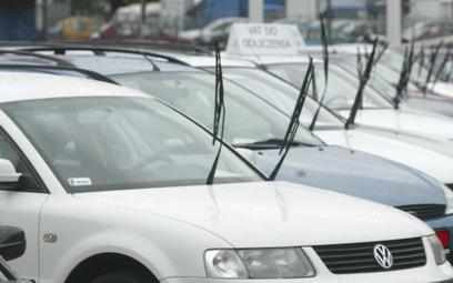 Nierzetelny komis zwróci klientowi koszty ubezpieczenia