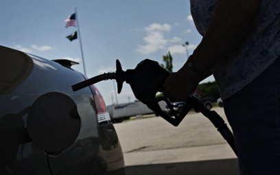 Ceny ropy szukają dna