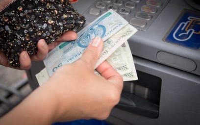 """""""Idiotyczne"""" limity techniczne bankomatów i wpłatomatów"""