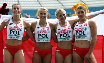 Zwycięska, polska sztafeta 4x400 metrów - Natalia Kaczmarek, Justyna Święty-Ersetic, Małgorzata Hołu
