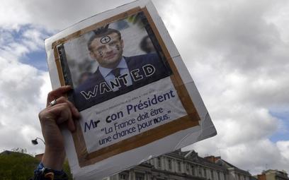 We Francji wielu demonstrujących wyrażało dezaprobatę dla kandydatów ubiegających się o prezydenturę