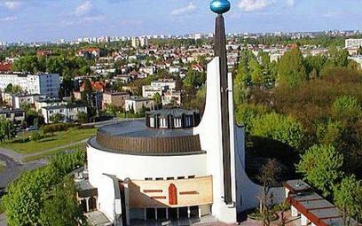 Z powodu kwarantanny księży kilka kościołów w Wielkopolsce zostało zamkniętych - m.in. pod wezwaniem
