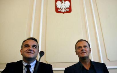 Wicepremier Waldemar Pawlak (PSL) i premier Donald Tusk (PO)