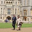 Królowa Elżbieta II i przewodniczący komitetu organizacyjnego igrzysk Londyn 2012 Sebastian Coe na s
