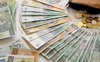 Dochody samorządów w górę o 43 mld zł