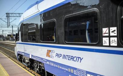 Więcej pociągów, ale i utrudniających remontów na torach