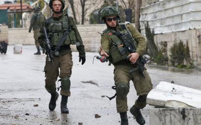 """Izrael: Hamas do cyberataku użył """"atrakcyjnych kobiet"""""""