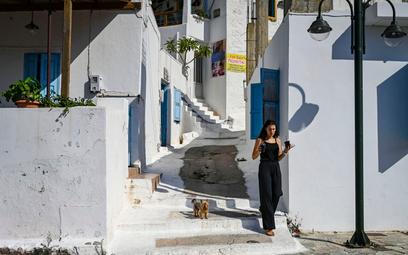 Grecja: 150 euro za szczepienie na zachętę dla młodych
