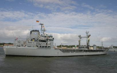 Zbiornikowiec paliwowy FGS Rhön i jego bliźniak Spessart służą w Deutsche Marine od ponad 30 lat i p