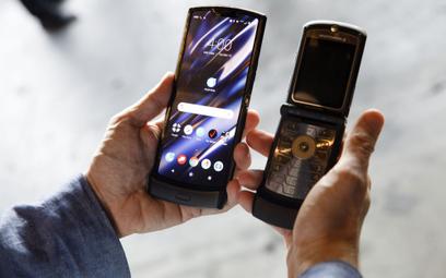 Telefon z klapką powraca 6 lutego. Razr ma składany ekran