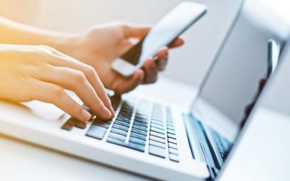 Na ilu urządzeniach można mieć aplikację bankową