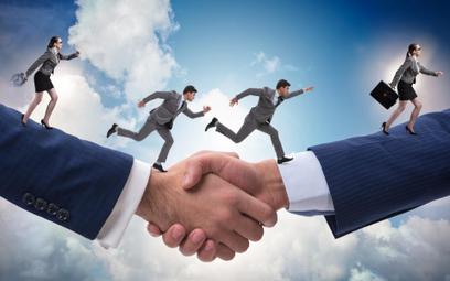 Sprzedaż zorganizowanej części przedsiębiorstwa - przejście zakładu pracy