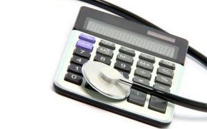Lekarzowi czasem opłaca się być podatnikiem VAT