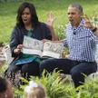 Michelle i Barack Obama uczestniczący w akcji czytania dzieciom, Waszyngton, marzec 2016.