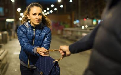 Jak zabezpieczyć się przed kradzieżą w podróży