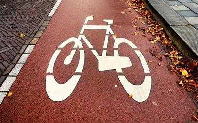W Krakowie pasy drogowe zamienią się na ścieżki rowerowe
