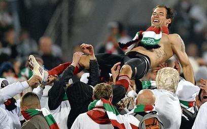 Ivica Vrdoljak na ramionach kibiców. Niestety, radość szybko się skończyła, a zaczęła awantura