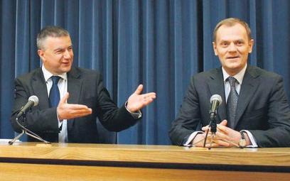 Premier Donald Tusk zapewniał podczas konferencji prasowej, że nie zamierza się chować za barczystym