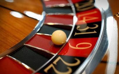 Totalizator wchodzi do kasyna