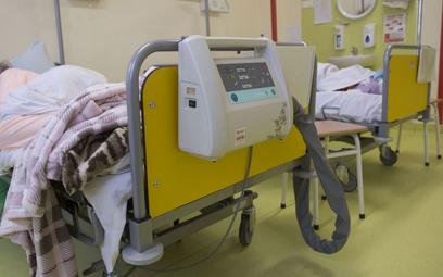 Koronawirus w Polsce. Znów spadek liczby chorych na COVID w szpitalach