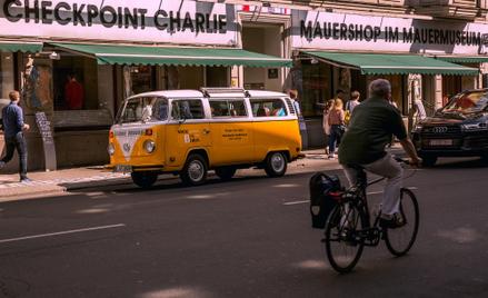 Zgodnie z petycją mieszkańcy mogliby wjechać do centrum Berlina swoim samochodem tylko raz w miesiąc