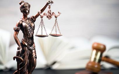 Sondaż: Kto chce ławników w SN