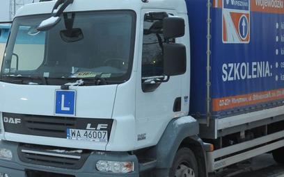 Od ciężarówki z L należy się podatek od środków transportu