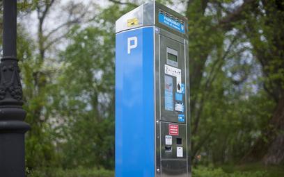 Strefy płatnego parkowania za duże i za drogie? Teraz dadzą w kość jeszcze bardziej