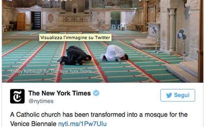Tweet New York Timesa na temat islandzkiego pawilonu ze zdjęciem ze środka