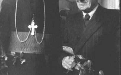 Kardynał Wyszyński z ojcem, Komańcza 1956 r.