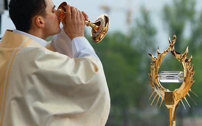 Relikwiarz z krwią papieża przekazany do łagiewnickiego sanktuarium wierni mogli zobaczyć w czasie m