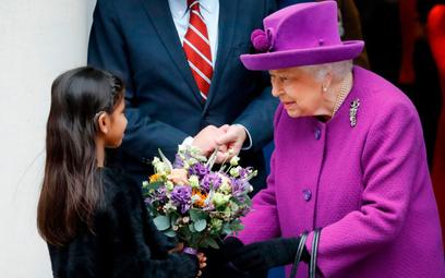 Królowa Elżbieta II otworzyła w środę nowy szpital w Londynie. Po Nowym Roku trudno będzie znaleźć d