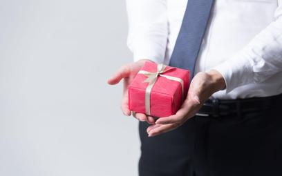 Upominki dla samozatrudnionego nie są kosztem podatkowym - interpretacje skarbówki