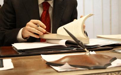 Radcowie prawni mogą stracić pracę w administracji skarbowej
