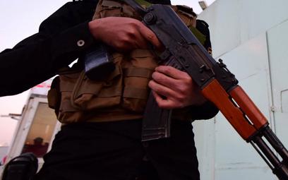 Na zdjęciu: członek popieranej przez Iran irackiej milicji
