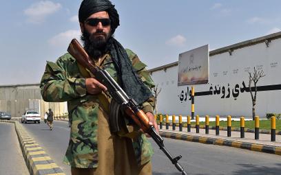 """Talibowie przywracają szariat. """"Obcinanie rąk jest ważne dla bezpieczeństwa"""""""