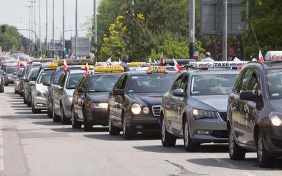 Protest łódzkich taksówkarzy przeciw Uberowi w 2017 roku