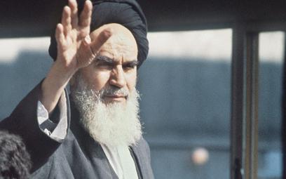 Ajatollah Ruhollah Musawi Chomeini, polityczny przywódca Iranu wlatach 1979–1989, witany przez mies