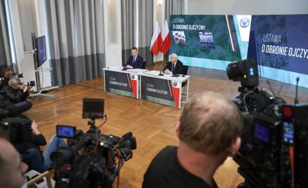 Konferencja Mariusza Błaszczaka i Jarosława Kaczyńskiego