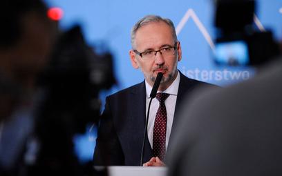 Minister zdrowia Adam Niedzielski: Nikt nie przewidział takiego skoku zakażeń
