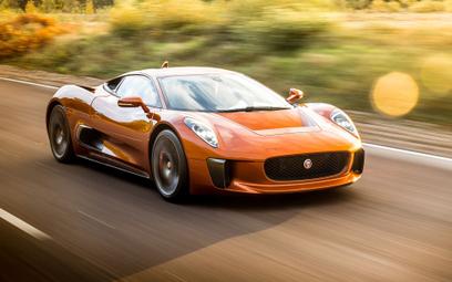 Jaguar z filmu Jamesa Bonda trafi na aukcje
