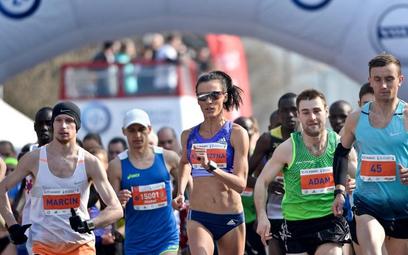 10. PZU Półmaraton Warszawski ukończyło 12 tys. 958 osób. Z roku na rok jest ich coraz więcej