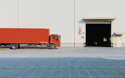 Transport: jak opodatkować transakcję łańcuchową