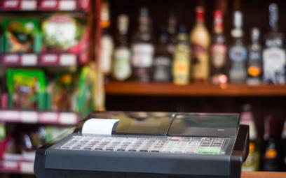 Producenci dyskryminują małe sklepy. Wolą pracować z dużymi sieciami