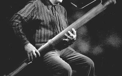 Rainer Weber jako muzyk i pracujący w warsztacie