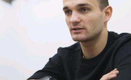 Bartosz Zmarzlik urodził się 12 kwietnia 1995 roku w Szczecinie. Wychowanek Stali Gorzów. Drużynowy