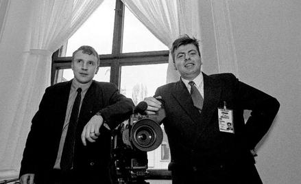 """Dziennikarze sejmowi, początek lat 90. Po zrobieniu """"Lewego czerwcowego"""" drogi Jacka Kurskiego (z le"""