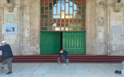 Wejście do meczetu Al-Aksa na Wzgórzu Świątynnym w Jerozolimie