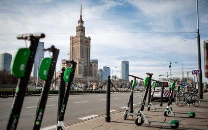 Pandemia przetrzebiła e-rowery i e-hulajnogi. Od środy wraca Lime