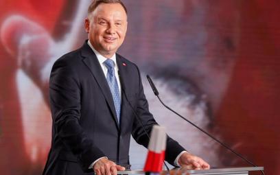Sondaż: Andrzej Duda odzyskuje prowadzenie przed drugą turą wyborów. Rafał Trzaskowski traci